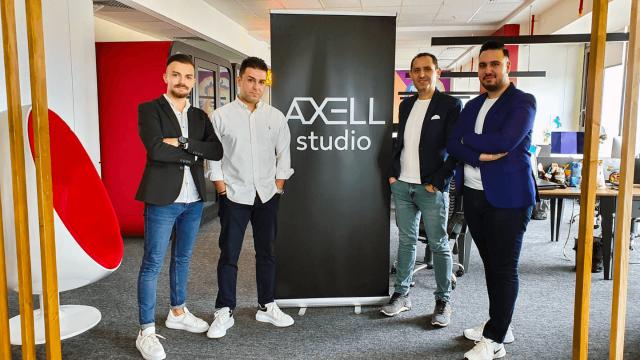axell-studio-400-bin-dolar-yatirim-aldi